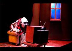 http://cdn.mcu.es/wp-content/uploads/2012/09/clowns-houses.jpg