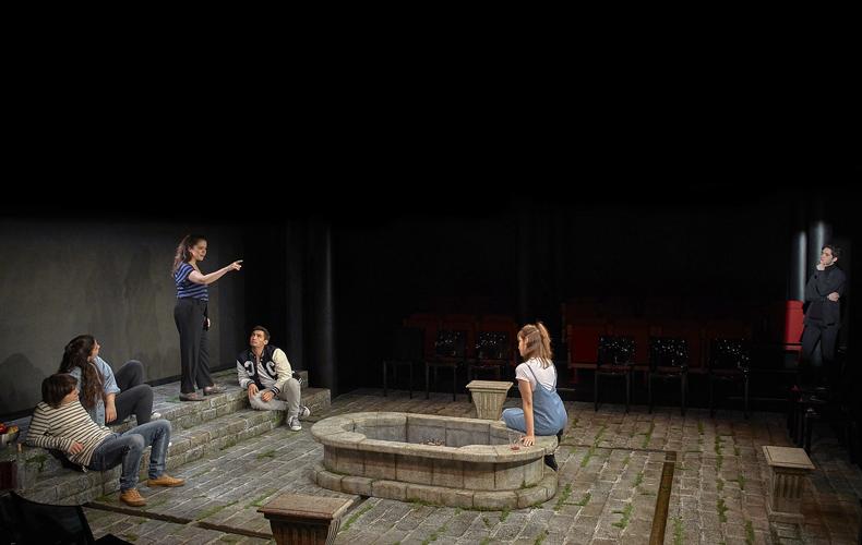 Acastos. ¿Para qué sirve el teatro?